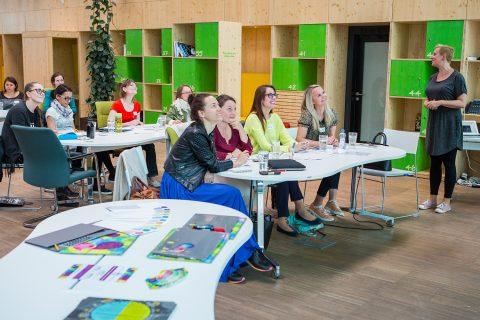 Peťa lektoruje na kariérním workshopu