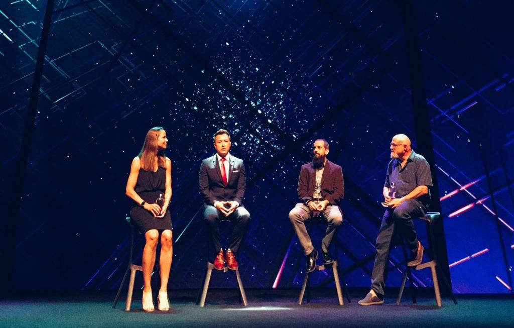 Panelová Diskuze Exponential Synergies Amy Peck Scott Amyx Dr Roman Yampolskiy A Charlie Fink